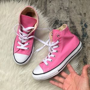 Converse pink shoes sz 2 youth